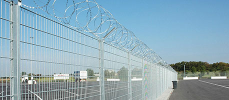 airport panel fencing